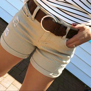 Pants - 25% OFF BUNDLES🌟'MORENO' khaki belted shorts